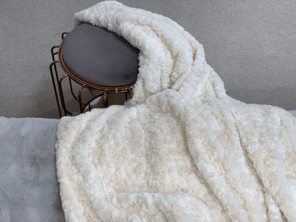 Clotted Cream Faux Fur Throw RUGSANDROOMS