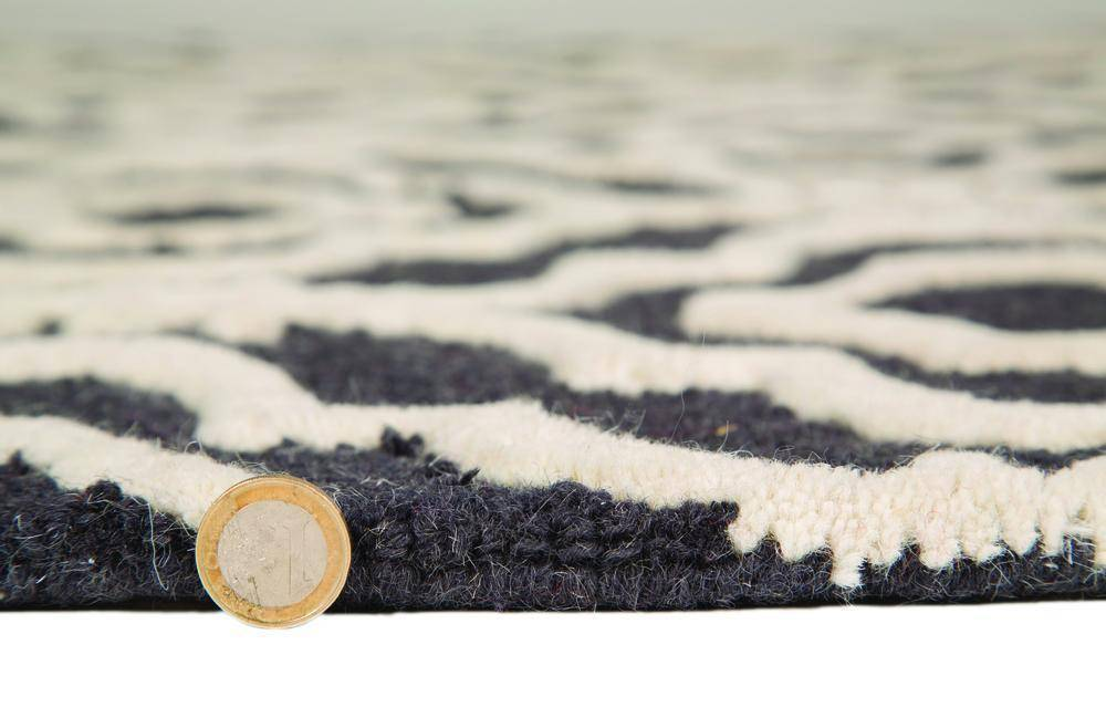 Laila Grey Area Rug RUGSANDROOMS
