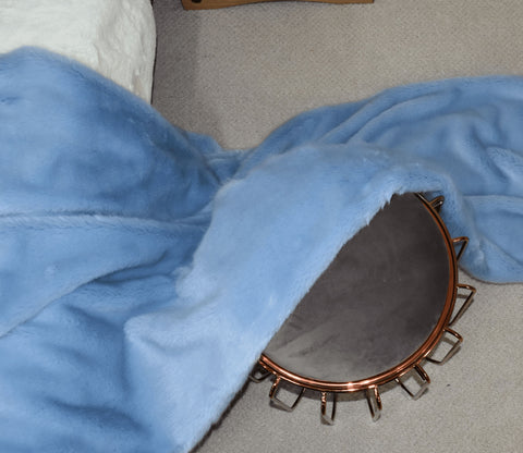 Image of Dusky Blue Faux Fur Throw RUGSANDROOMS