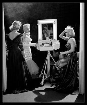 "Frank Worth Collection ""Marilyn Monroe, Lauren Bacall And Betty Grable 1953"" w/coa - Global Images Gallery"
