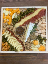 Load image into Gallery viewer, Classic Cheeseboard