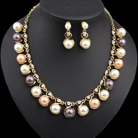 Fashion Pearl Necklace and Earrings