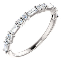 Load image into Gallery viewer, 14K Gold 1/4 CTW Baguette Diamond Wedding or Stackable Ring