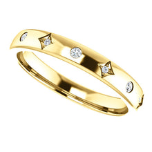 Load image into Gallery viewer, 14k Gold Vintage Inspired 1/10 Diamond Band