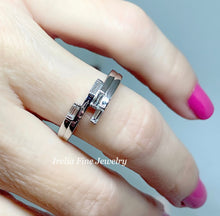Load image into Gallery viewer, 14k White gold 1/4 CTW Geometric Diamond Ring