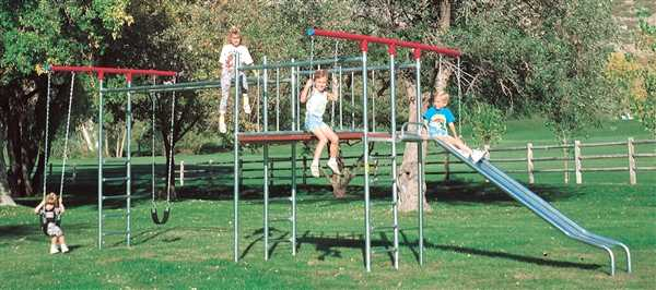 Monkey Bar T Swing With Super Deck Swing Set Item 5a