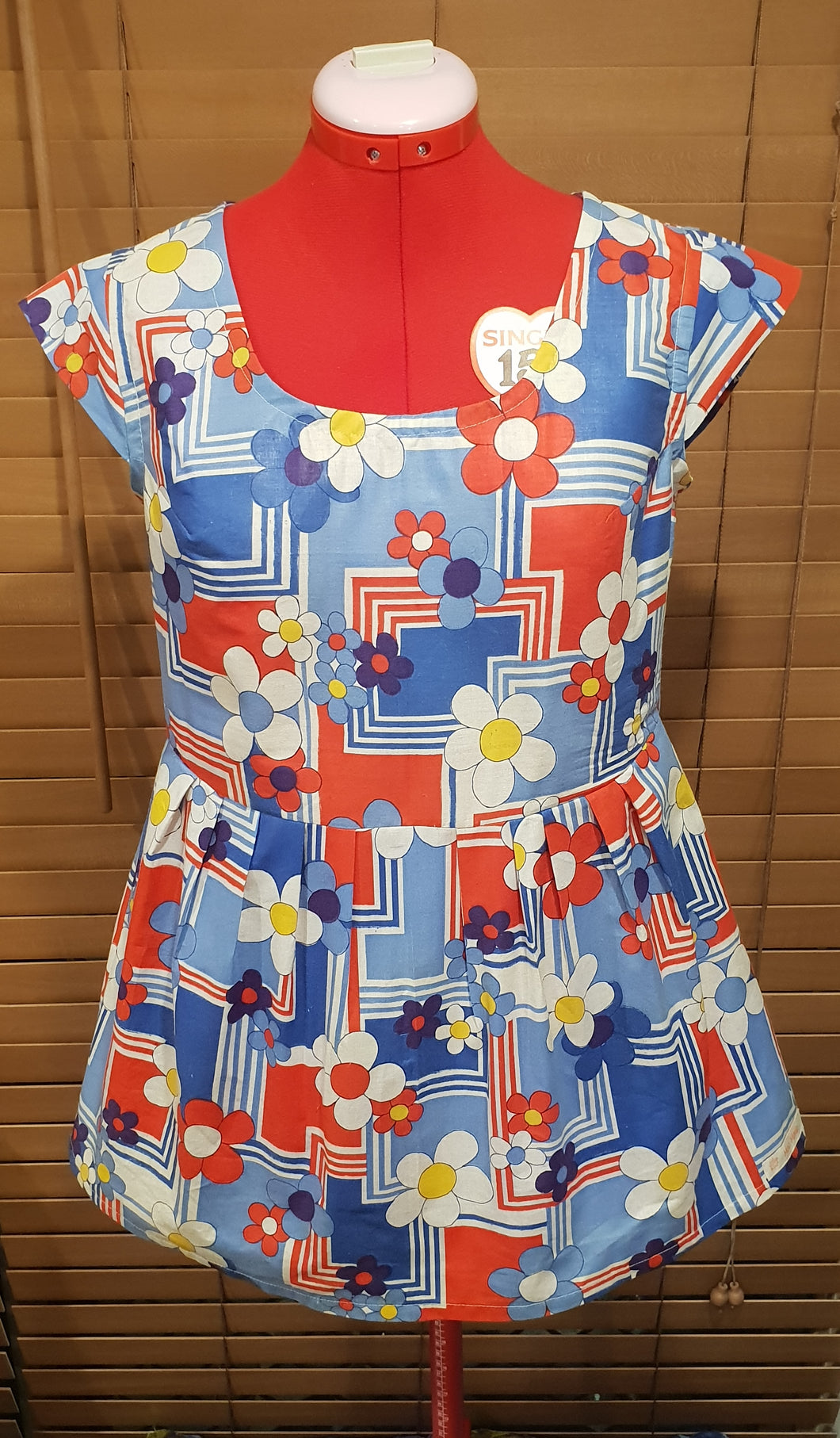 For Lauren Red and Blue Daisy Cotton