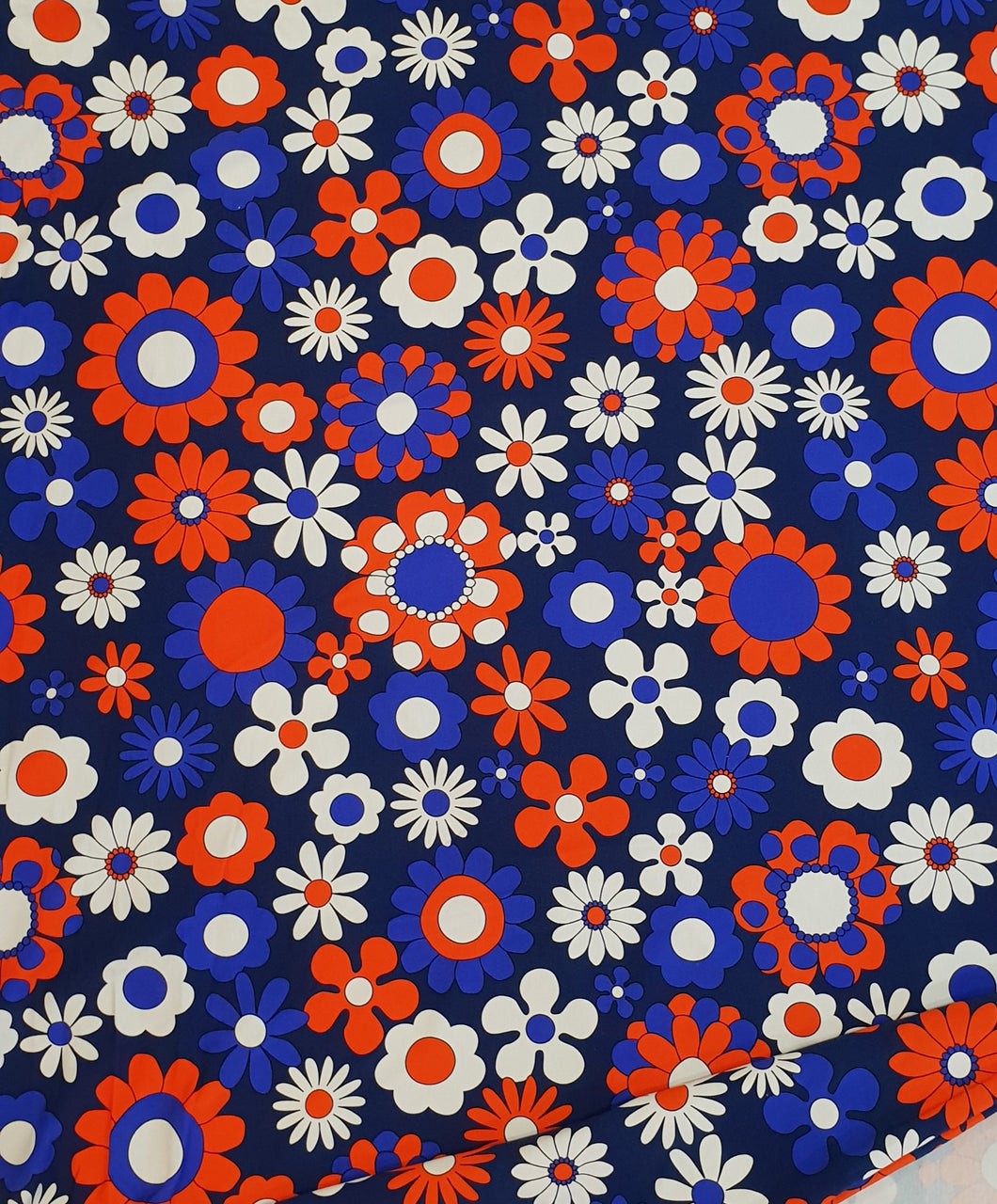 Blue Red Daisy Cotton Lycra (40x40 repeat)