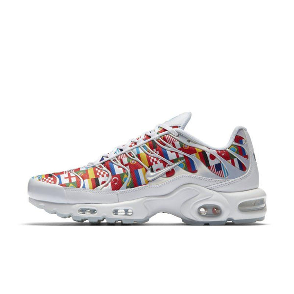 e74846be6056 NIKE Nike Air Max Plus Nic QS Men s Shoe - White SOLEHEAVEN