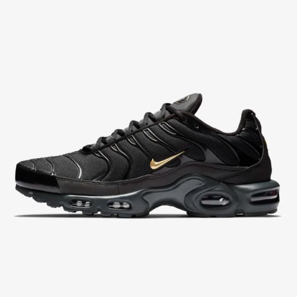 on sale 0707b 61234 Nike Air Max Plus TN  Black   Gold