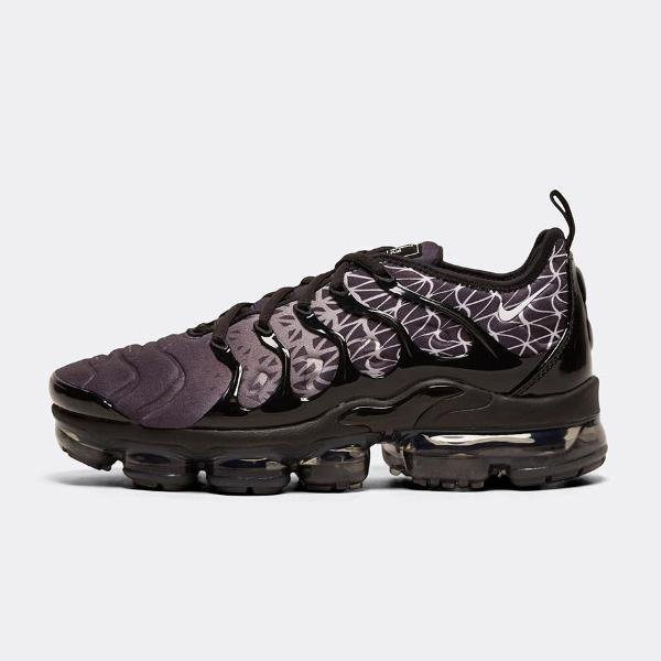 02a59ba62905a Nike Nike Air Vapormax Plus  Black   White  SOLEHEAVEN