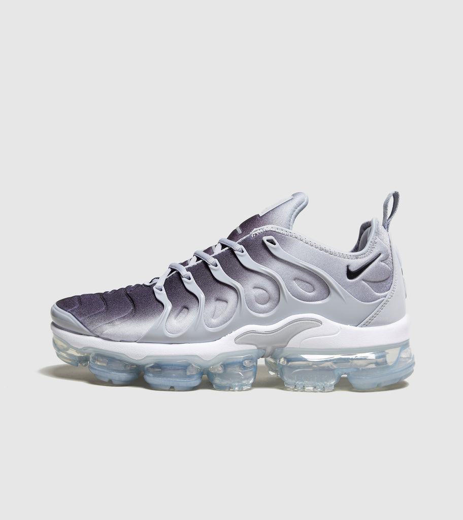 sale retailer 048e8 c99c3 Nike Nike Air VaporMax Plus, Grey White SOLEHEAVEN