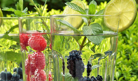 detox water, berries, refreshment, healthy drinks, lime