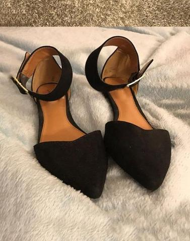 Black Pointed Toe Buckle Flats