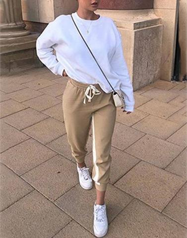 White Basic Sweatshirt
