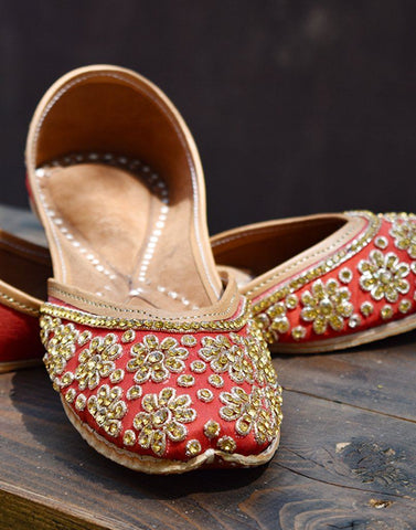 Embellished Red Leather Juttis