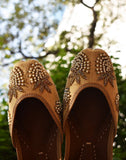 Beige Beaded Leather Juttis