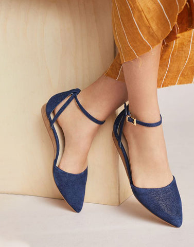 Closed Pointed Cool Flats