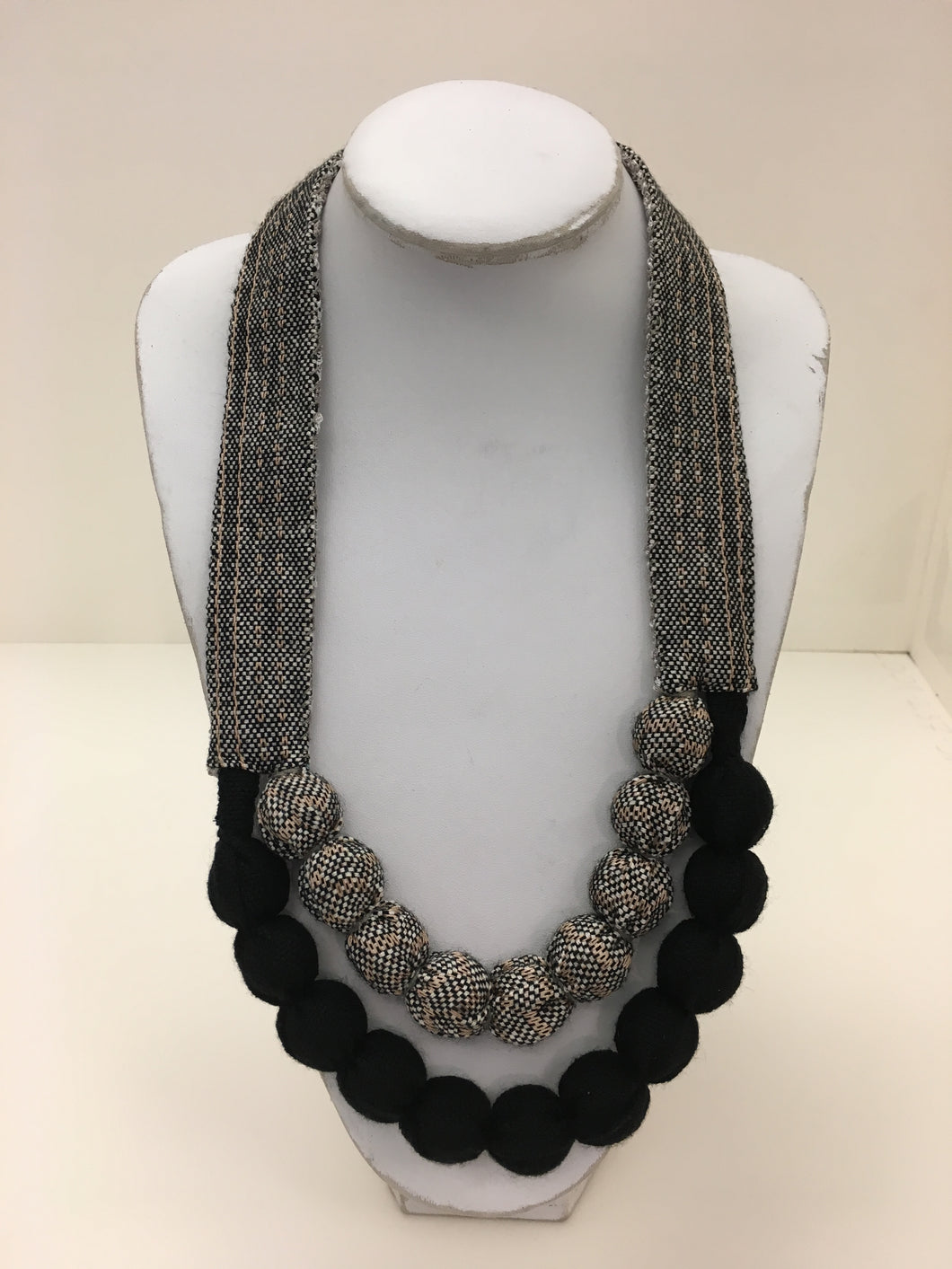 Vianney Méndez Necklace Black and Grey Long