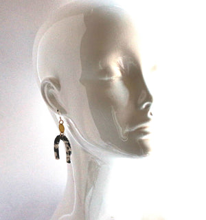 Joan - 1/2 Moon Resin (Black and White earring)