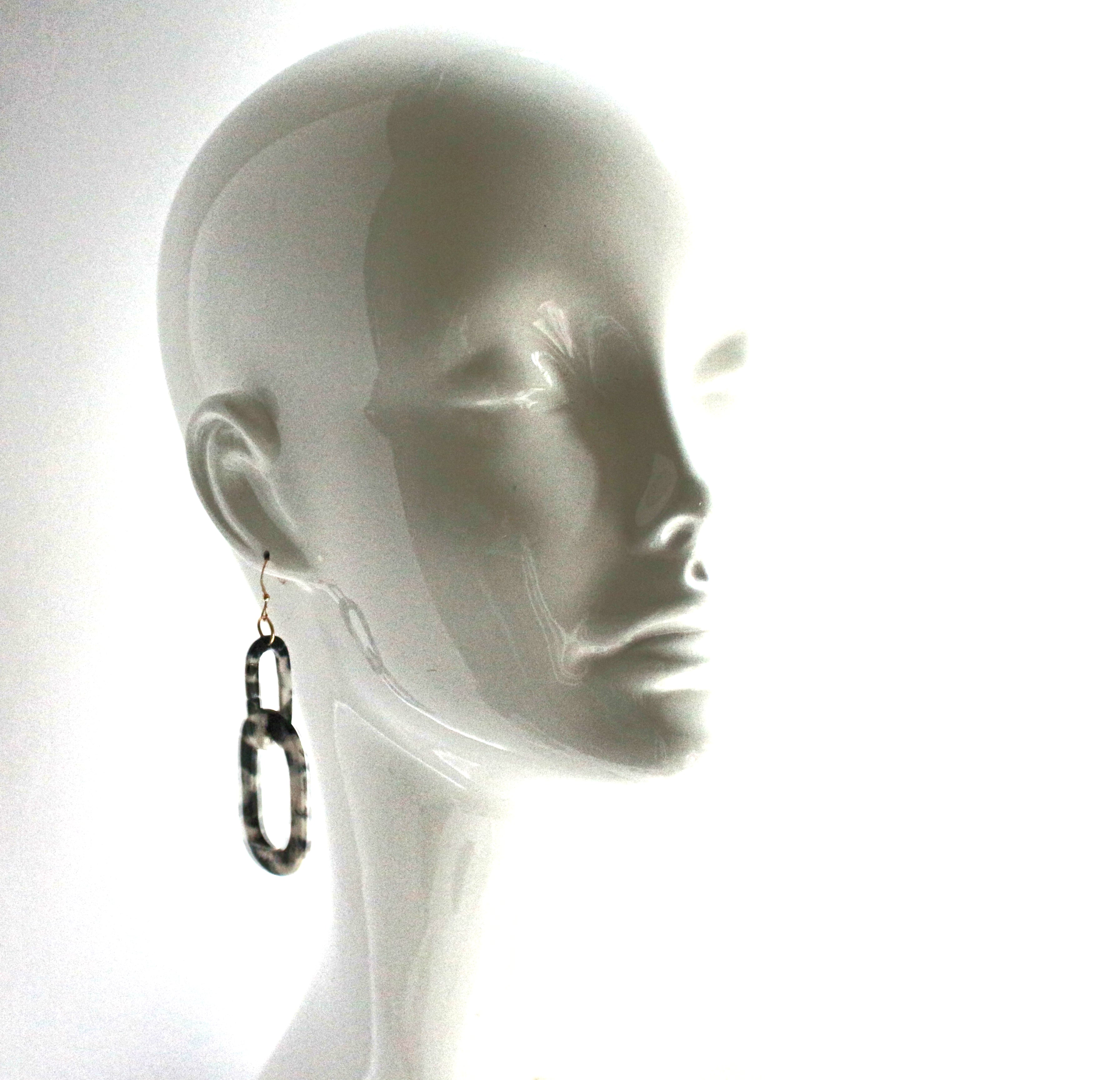 Layla - Resin Link (Black and White earring)