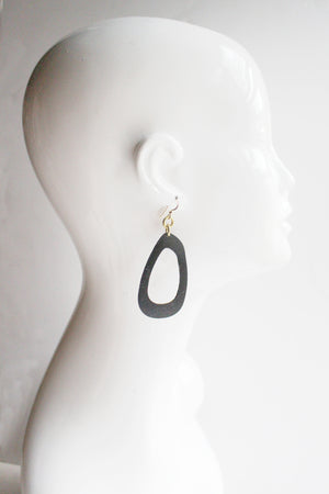 Lisa Medium Leather Earrings Black
