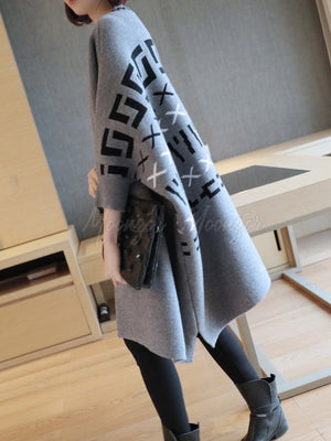 Loose Abstract Pattern Bat Sleeve Knit Cardigan