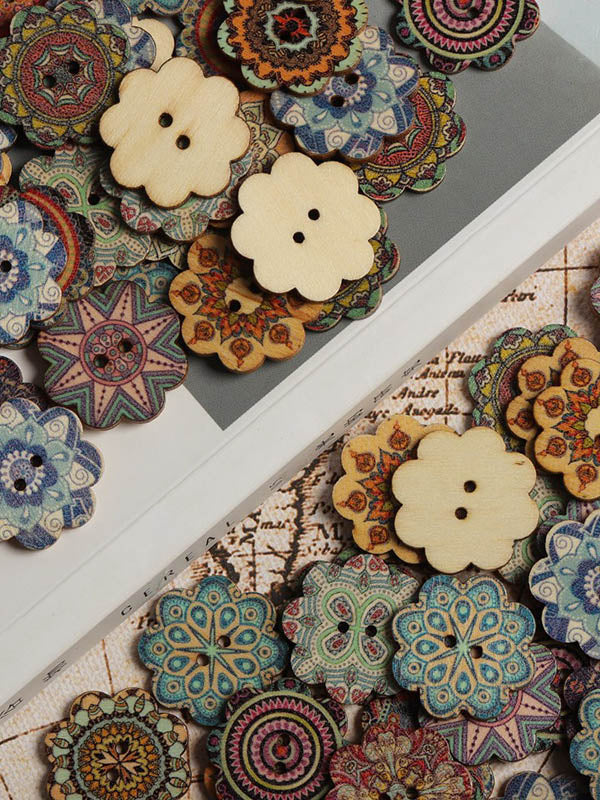 About 100Pcs Multi-Color Wooden Buttons