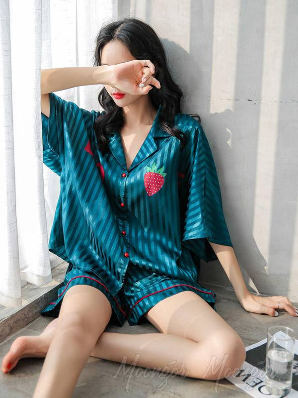 Two-Pieces Comfortable Ice Silk Loose Strawberry Print Pyjamas Suit