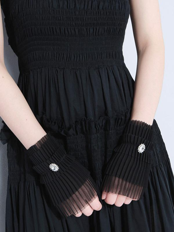 Lovely Pleated Chiffon Hand Warmer