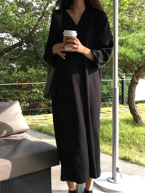 Loose Black V-neck Long Sleeves Dress
