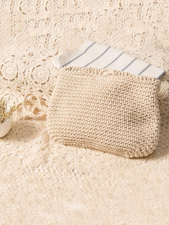 Knitted Crossbody Tasseled Bag