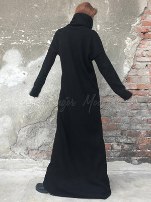 Black High-Neck Simple Long Sweater Dress