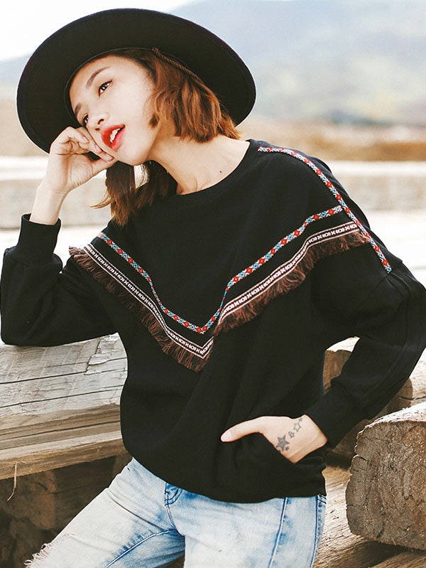 Loose Tasseled Embroidered Sweatshirt
