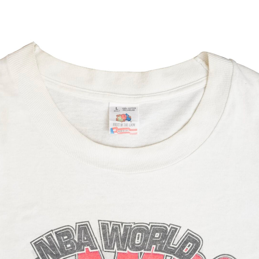 Vintage 1992 Chicago Bulls 'Back to Back NBA World Champs' T-Shirt