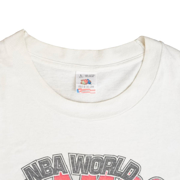 f0535ae348d8 ... T-Shirt  Vintage 1992 Chicago Bulls  Back to Back NBA World Champs  ...