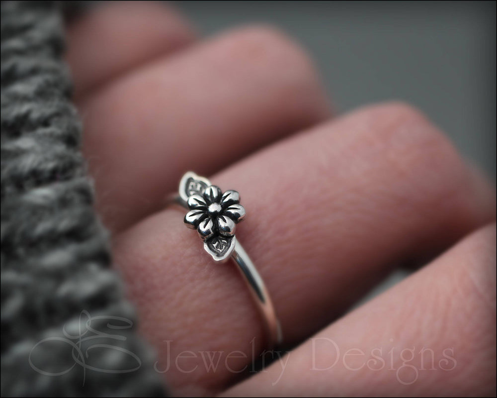 Flower & Leaves Ring