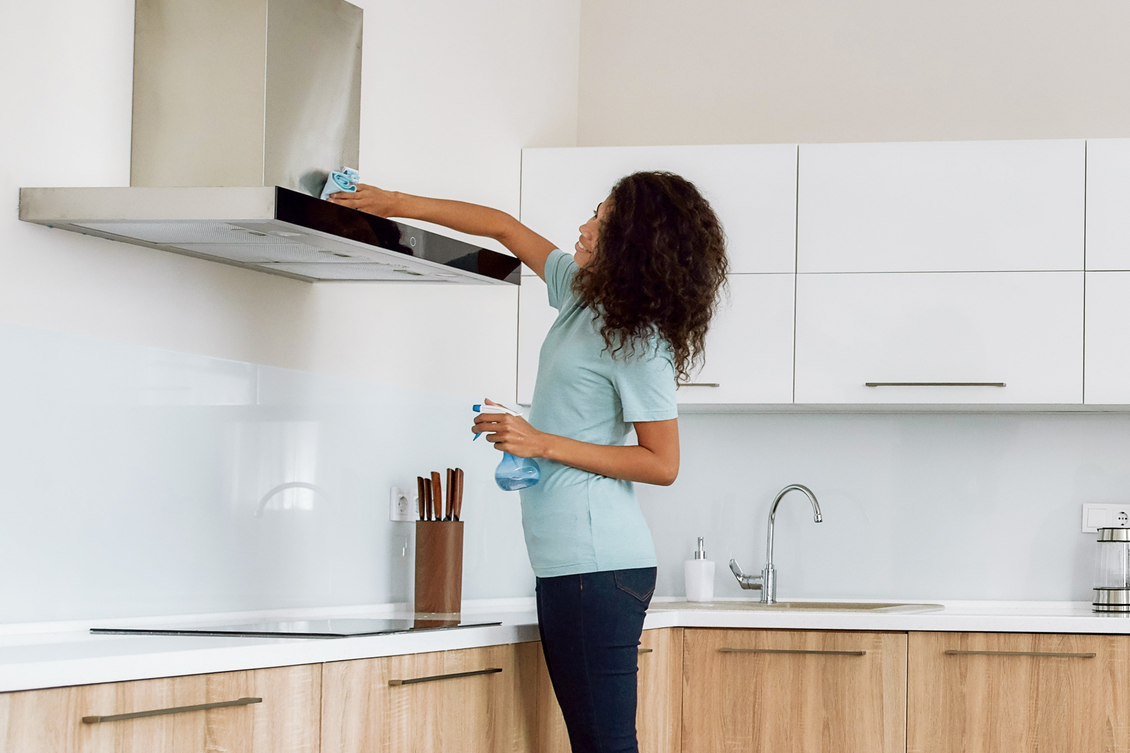 How to Clean a Range Hood Filter | Hauslane