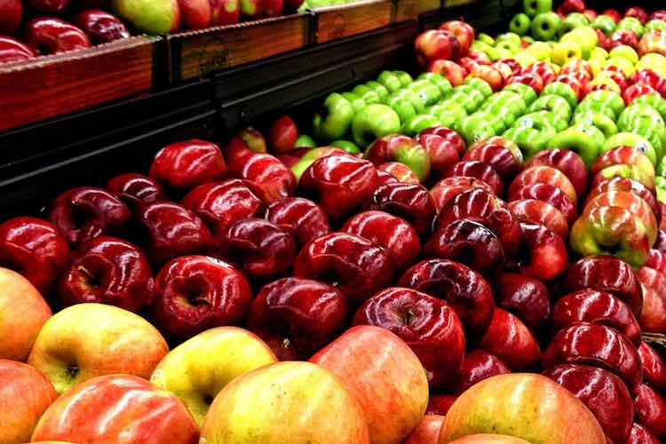apples-grocery-store