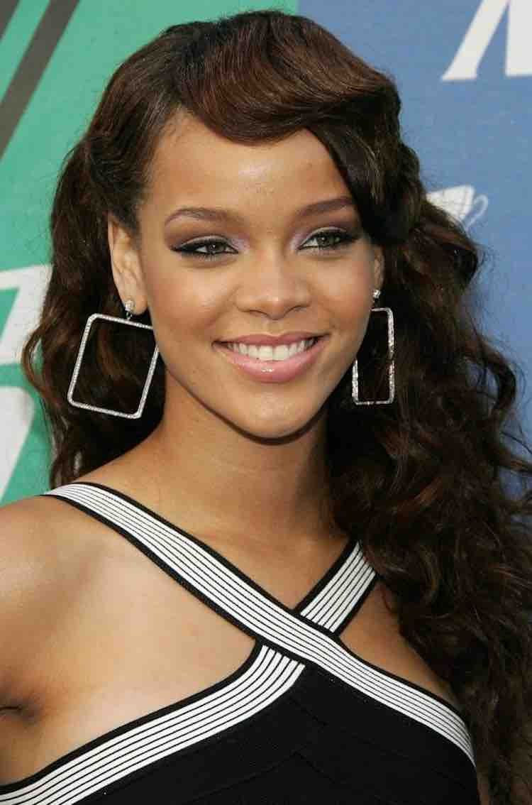 rihanna-brown-hair