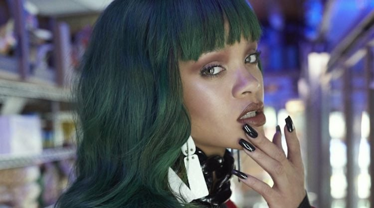 rihanna-emerald-green-hair