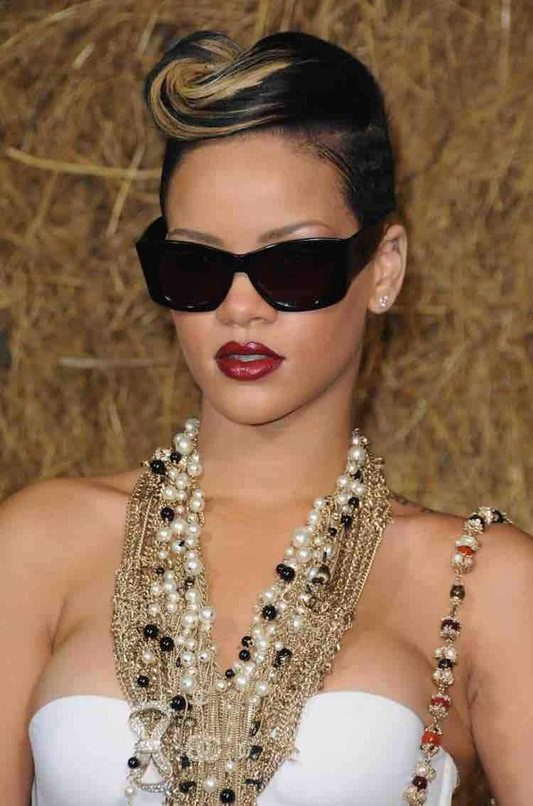 Rihanna S Hair Evolution 60 Hairstyles We Know You Ll Love