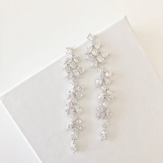 dressy-earrings-wedding