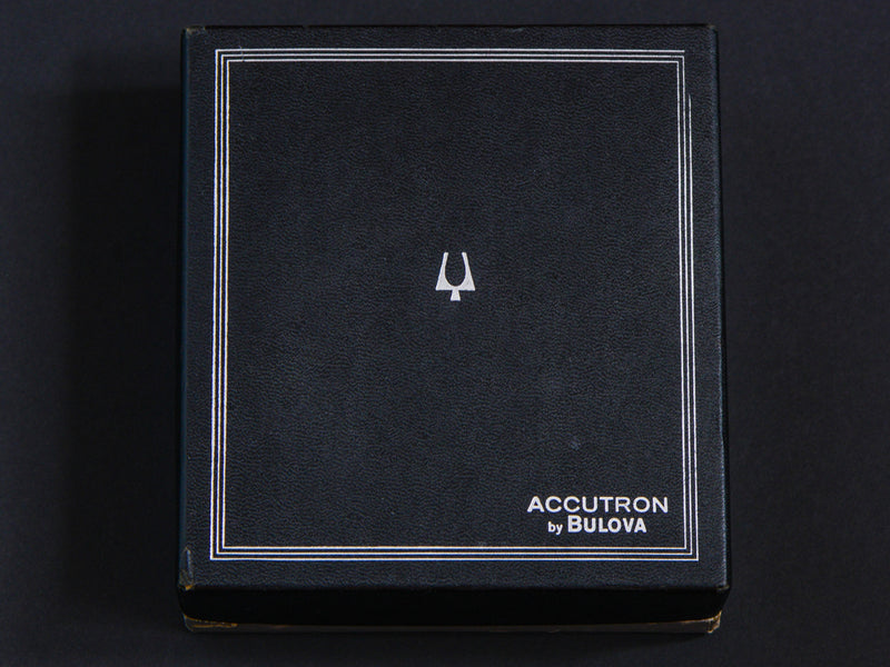 Bulova Accutron Large Desk Clock Box Front