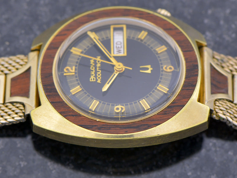 Bulova Accutron Woody