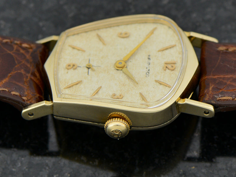 Hamilton Valiant With PROTOTYPE NAUGAHYDE DIAL