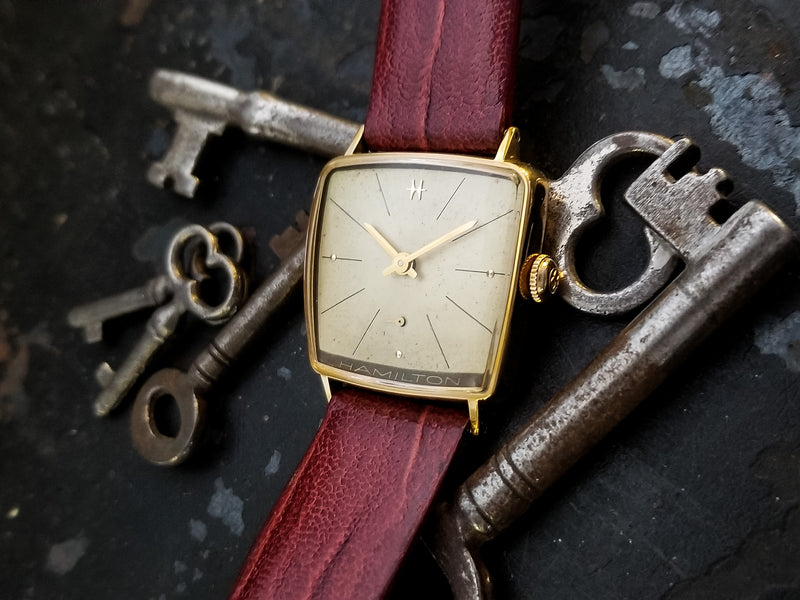 Hamilton Asymmetric Attache