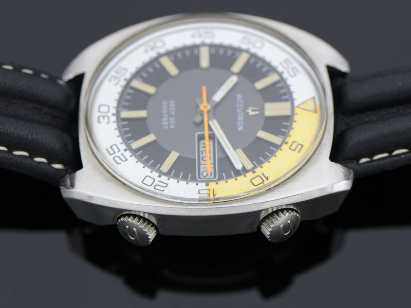 Bulova Accutron Deep Sea 666 Diver Yellow/White Bezel Ring Vintage Watch