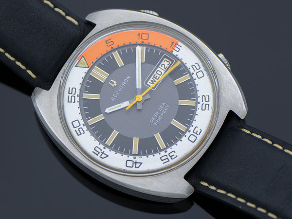 Bulova Accutron Deep Sea 666 Diver Orange/White Bezel Ring