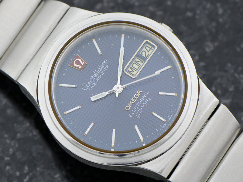 Omega Steel Constellation Chronometer f300 Tuning Fork & Bracelet Close View